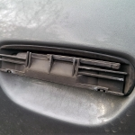 Audi_a4_B5-Demontaz_nakladek_zewnetrznych_klamek_08