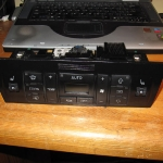 audi-a4-naprawa-obudowy-klimatronika-2din-19